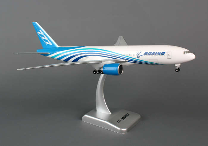 Boeing 777-200BCF (1:200) With Gear