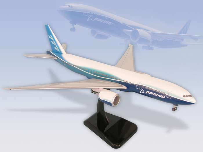 "Boeing 777-200LR (1:200) W/GEAR New Livery ""Dreamliner"""