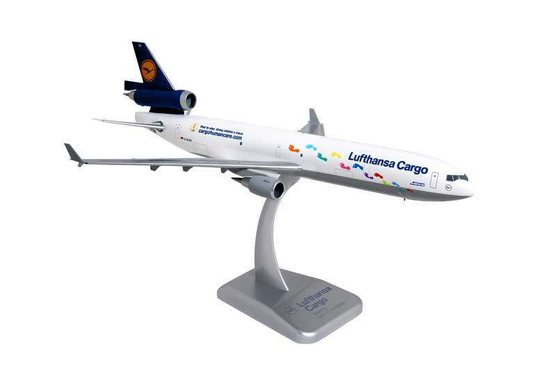 "Lufthansa Cargo MD-11F with Gear ""Step by Step"" D-AICH (1:200)"