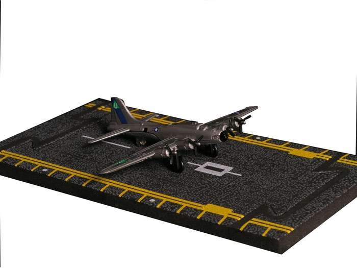 "B-17 Flying Fortress - Silver (Approx. 5"")"