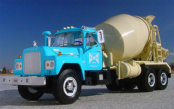S&W Ready Mix - Mack R Cement Mixer (1:34)