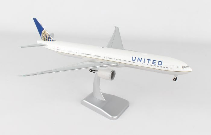 United 777-300ER with Wi-Fi Radome (1:200) by Hogan Wings Collectible Airliner Models item number: HG10567G