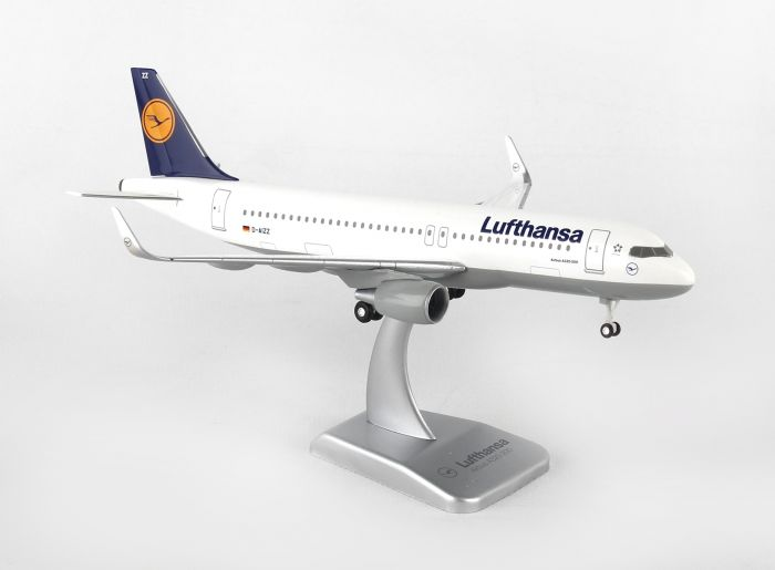 Lufthansa A320S (1:200) With Gear D-AIZZ by Hogan Wings Collectible Airliner Models item number: HGLH36
