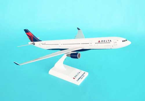 "Delta A330-300 ""New Livery"" (1:200), SkyMarks Airliners Models Item Number SKR530"