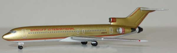 "Braniff International B 727-200 ""Gold"" N8857E (1:400), AeroClassics Models Item Number AC19282"