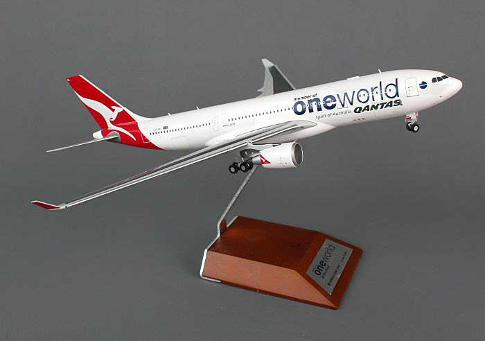 "Qantas A330-200 ""One World"" VH-EBL (1:200), JC Wings Diecast Airliners, Item Number JC2QFA756"