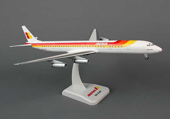 Iberia DC-8-63 (1:200) with Gear EC-BSE