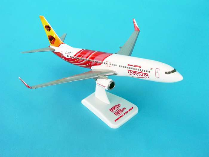 Air India Express 737-800W REG#VT-AXD (1:200) W/Gear, Hogan Wings Collectible Airliner Models Item Number HG3800GD
