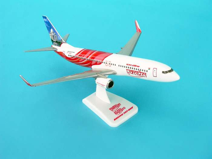Air India Express 737-800W REG#VT-AXF (1:200) W/Gear, Hogan Wings Collectible Airliner Models Item Number HG3800GF
