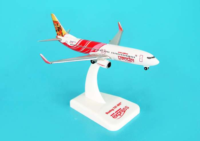Air India Express 737-800 REG#VT-AXI (1:500), Hogan Wings Collectible Airliner Models Item Number HG8096