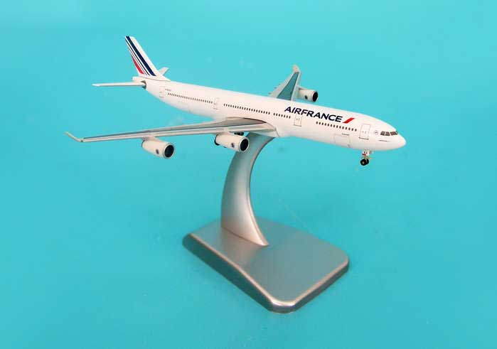 Air France A340-300 With Stand & Gear (1:500)
