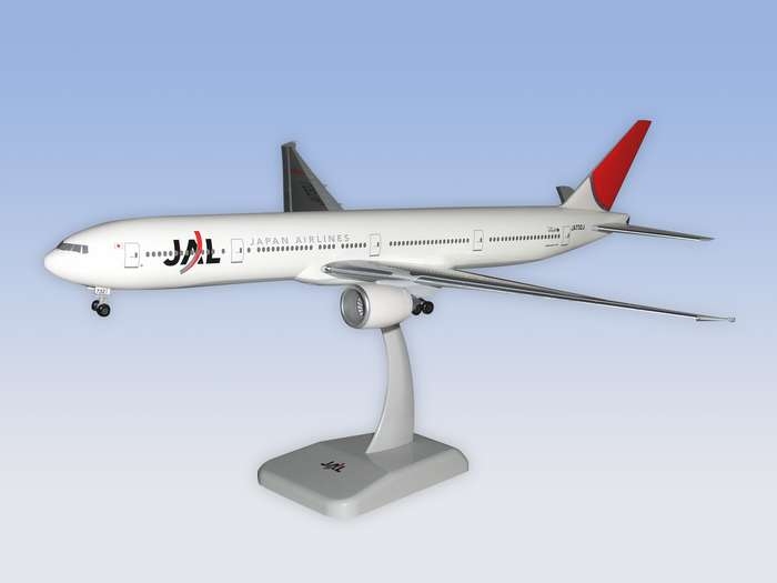 JAL B777-300ER w/gear, New Colors (1:200), Hogan Wings Collectible Airliner Models Item Number HG1165G