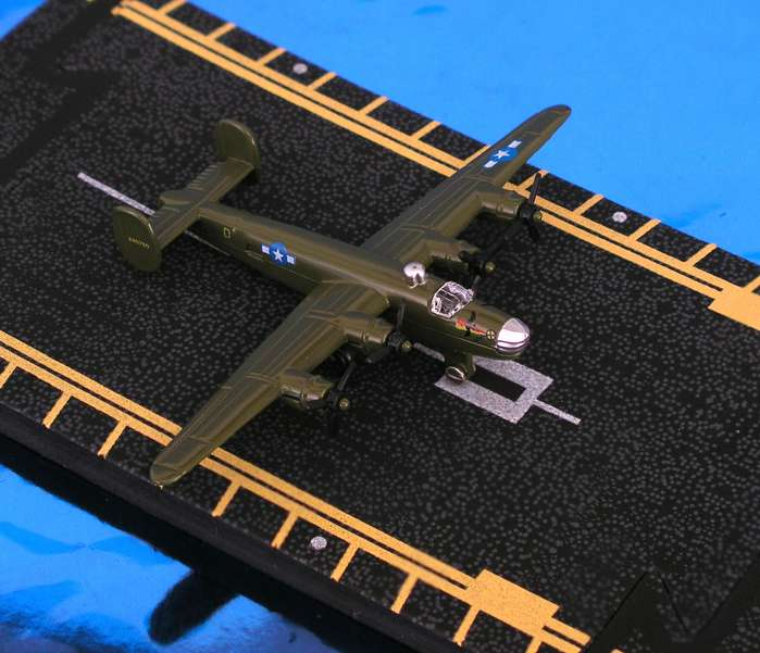"B-24 Liberator (Approx. 5""), Hot Wings Toy Airplanes Item Number HW17109"