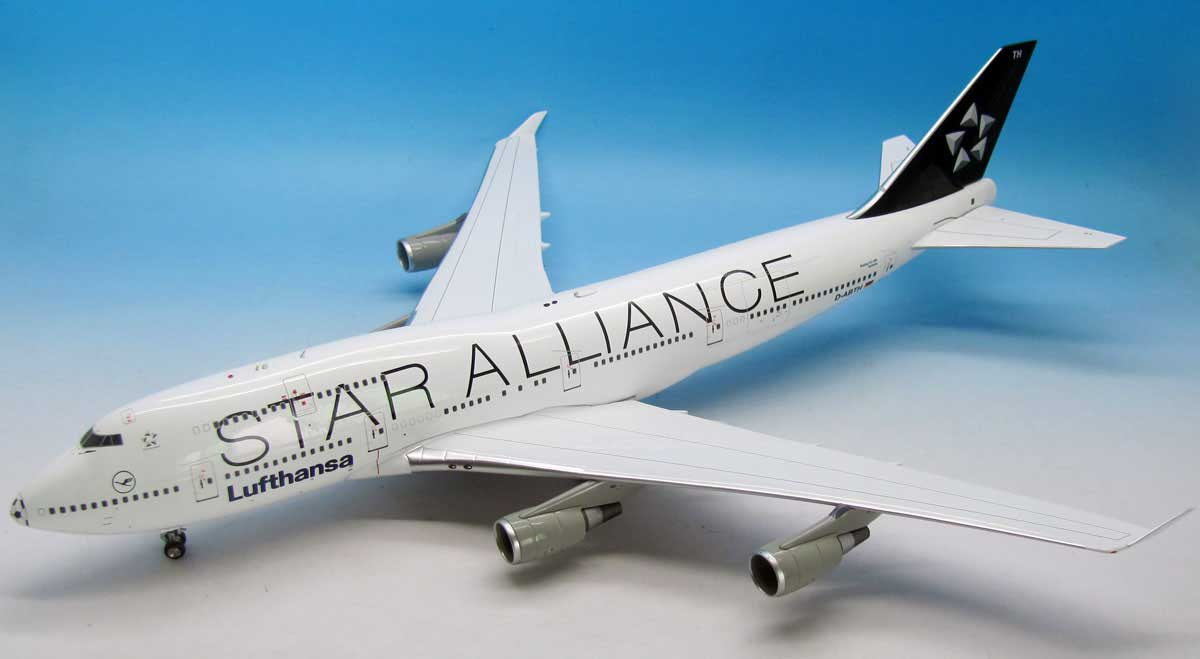 Lufthansa Star Alliance 747-400