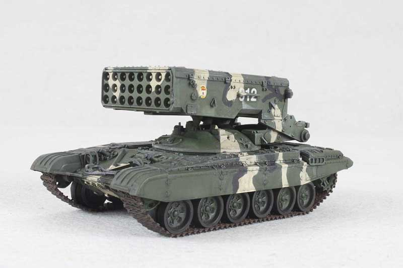 WWII RUSSIA TOS-1 1//72 diecast Model tube rocket tank