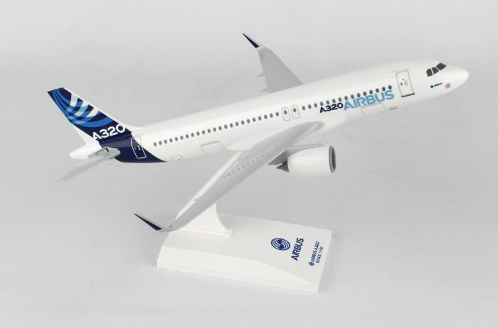 Airbus A320-200 House Colors, Neo Engines (1:150) by SkyMarks Airliners Models item number: SKR227N