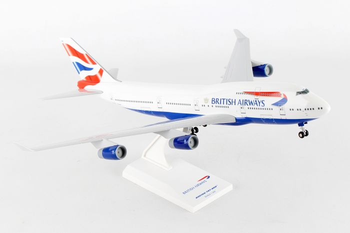 British Airways B747-400 with Gear (1:200) by SkyMarks Airliners Models item number: SKR304