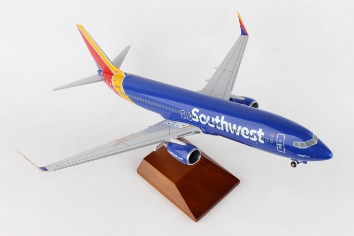"Southwest Airlines 737-800 with Winglets ""2015 colors, Heart One Livery"" (1:100) by Skymarks Supreme Desktop Aircraft Models item number: SKR8250"