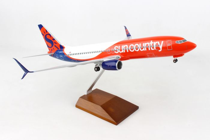 Sun Country 737-800 1:100 With Gear & Stand by Skymarks Supreme Desktop Aircraft Models item number: SKR8277