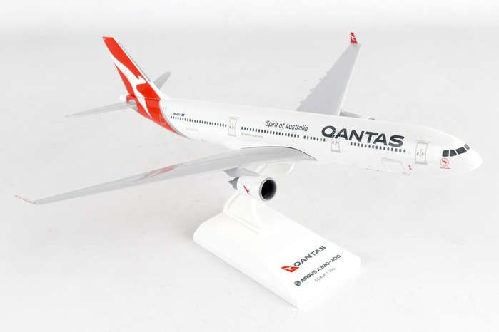 Qantas A330-300 New Livery (1:200) by SkyMarks Airliners Models item number: SKR928