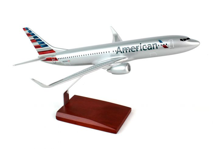 American B737-800 with Winglets, New Colors (1:100) by Executive Series Display Models item number: KB737AA2TR