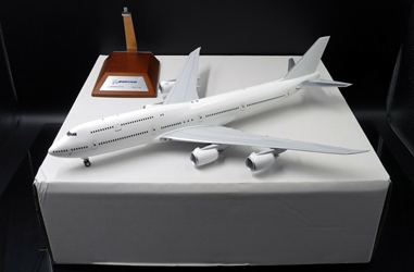 Blank B747-8 (1:200) - Special Clearance Pricing
