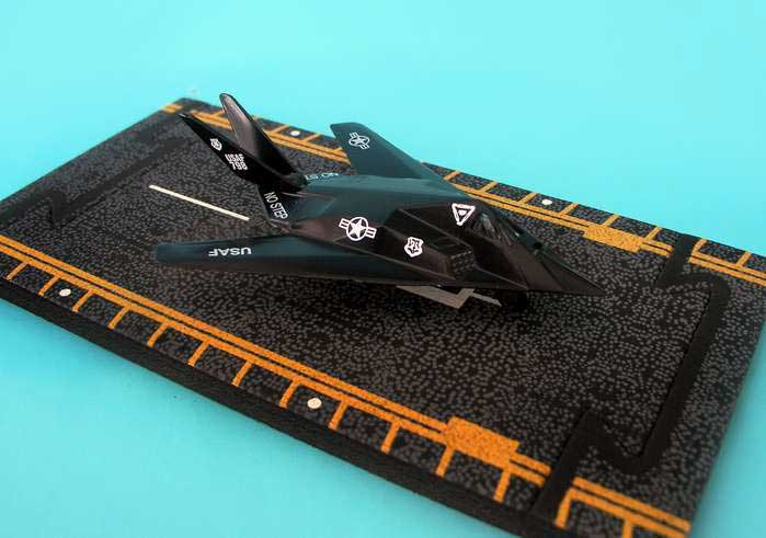 "F-117 Stealth Fighter (Approx. 5""), Hot Wings Toy Airplanes Item Number HW14103"