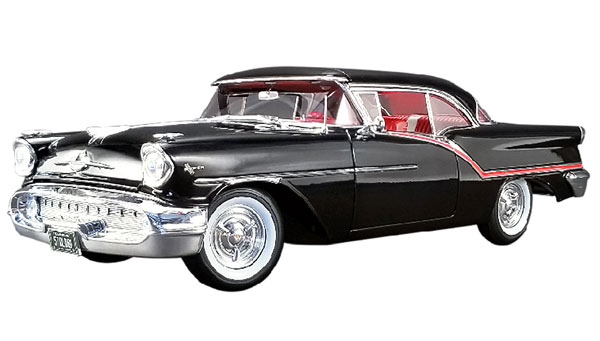 1957 Oldsmobile Super 88 in Black (1:18)