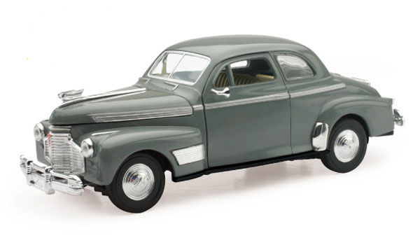 1941 Chevrolet Special Deluxe 5 Passenger Coupe (1:32)