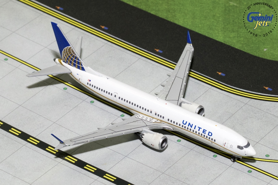 United Airlines B737 MAX-9 N67051 (1:400), GeminiJets 400 Diecast Airliners Item Number GJUAL1784