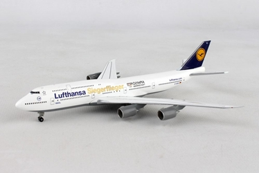 "Lufthansa 747-8 D-ABYK (1:500) ""Siegerflieger Olympia Rio 2016"", Herpa 1:500 Scale Diecast Airliners Item Number HE530026"