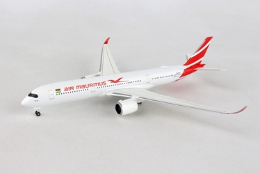 "Air Mauritius Airbus A350-900 3B-NBQ ""Pieter Both"" (1:500), Herpa 1:500 Scale Diecast Airliners Item Number HE531184"