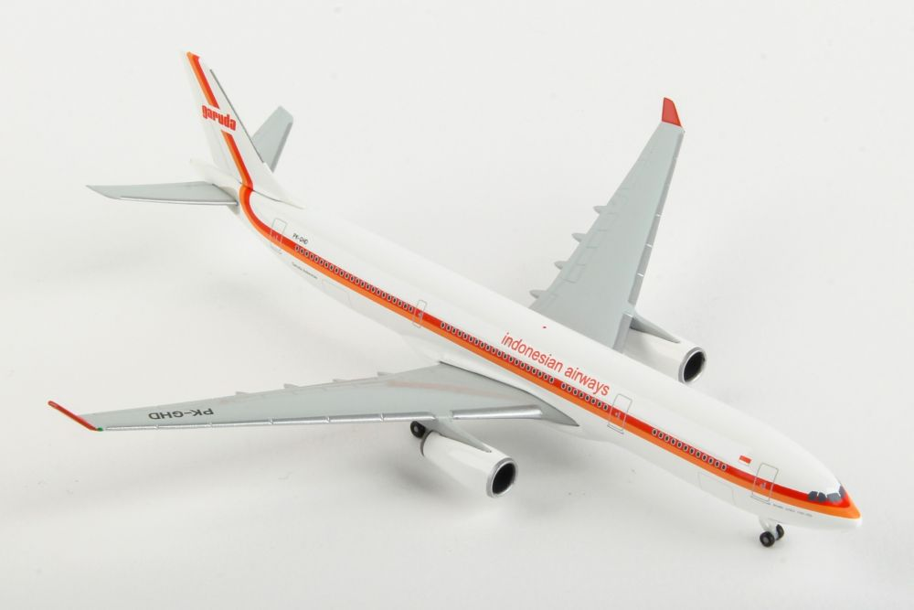 Garuda Indonesia Airbus A330-300 70th anniversary, Retro Colors PK-GHD (1:500) by Herpa 1:500 Scale Diecast Airliners Item Number HE533362