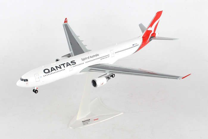 Qantas A330-300 VH-QPJ (1:200) New Livery 2016, Herpa 1:200 Scale Diecast Airliners Item Number HE558532