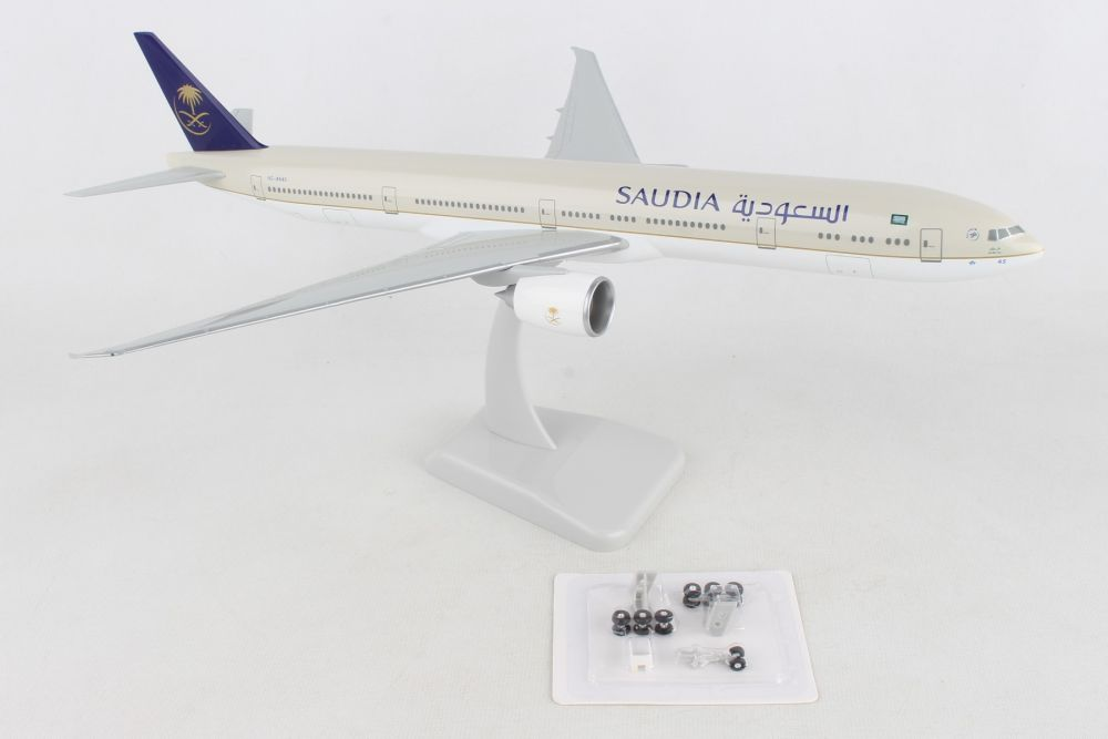 Saudia 777-300 1:200 scale by Hogan Wings